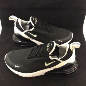 Nike Womens Air Max 270 Size 7.5 New
